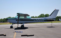 N220U @ KCPS - Ohio University C-152 on the West Ramp at KCPS during NIFA Safecon 2009. - by TorchBCT
