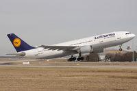 D-AIAT @ EDDF - Lufthansa A300B4-603 takes off from EDDF