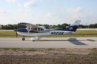 N52128 @ LAL - Cessna 182T