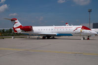 OE-LCG @ VIE - Austrian Arrows Regionaljet - by Yakfreak - VAP
