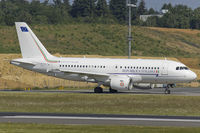 MM62174 @ ELLX - taxiing to RW24