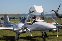 OM-HLF @ PZY - Diamond DA-42 Twin Star
