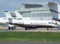 N2HL @ LFPB - Gulfstream 200 at Le-Bourget airport during the Aerosalon Paris/Le-Bourget 2009