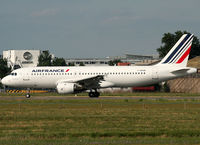 F-GFKM @ LFBO - Ready for take off rwy 32R... First Air France A320 with new livery... - by Shunn311