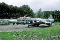 D-8258 @ EHYB - The last opportunity to photograph the Dutch Starfighters was during the spottersday of 1987. Four years after being wfu the spotters community was invited to visit Ypenburg store before the Starfighterster were dislocated to various spots in the Netherla - by Joop de Groot