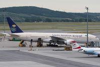 HZ-AKE @ VIE - Boeing 777-268 (ER)