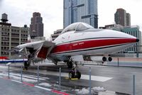 157986 @ NEW YORK - Grumman F-14 Tomcat - by Hannes Tenkrat