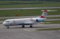 OE-LVJ @ VIE - Fokker 100 with special sticker Kronen Zeitung (austrian newspaper)