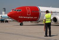 LN-KKI @ VIE - Norwegian Boeing 737-300 - by Dietmar Schreiber - VAP