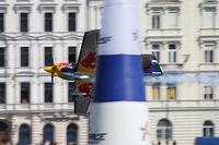 N806PB - Red Bull Air Race Budapest 2009 - Peter Besenyei - by Juergen Postl