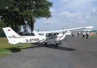 D-ETWB @ EDKB - Cessna 172M Skyhawk II at the Bonn-Hangelar centennial jubilee airshow - by Ingo Warnecke