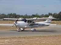 CS-DDR @ LPPM - CESSNA  172 AEROALGARVE taxing - by ze_mikex