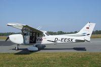 D-EESX @ EDBH - Cessna 172S Skyhawk SP at Stralsund/Barth airport - by Ingo Warnecke