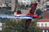 N540MD - Red Bull Air Race Porto 2009 - Matthias Dolderer - by Juergen Postl