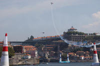 D-EUNA - Red Bull Air Race Porto 2009 - Extra EA-300LP - by Juergen Postl