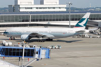 B-HNB @ RJGG - Cathay Pacific B777-200 - by J.Suzuki