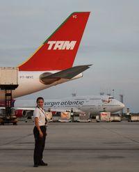 PT-MVC @ MCO - TAM A330-200