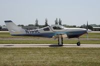 N199L @ KOSH - Taxi for departure