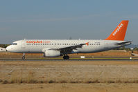 G-TTOH @ LPFR - Easyjet A320 lands at Faro