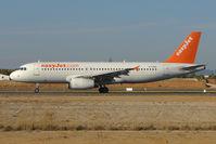 G-TTOH @ LPFR - Easyjet A320 lands at Faro