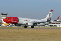 LN-NOF @ LPFR - Norwegian Air Shuttle B737 lifts off from Faro