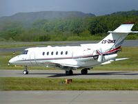 CS-DNX @ EGPH - Netjets Hawker 800 taxiing to runway 06 - by Mike stanners