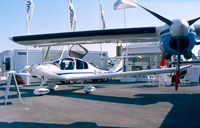 OE-VPC @ LFPB - Diamond (HOAC) DA-40 Diamond Star prototype at the Aerosalon 1999, Paris