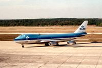PH-BUL @ IAH - Boeing 747-206B of KLM Royal Dutch Airlines arriving at Houston in November 1979. - by Peter Nicholson