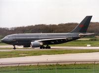 15002 @ LFBO - Ready for take off rwy 14L - by Shunn311