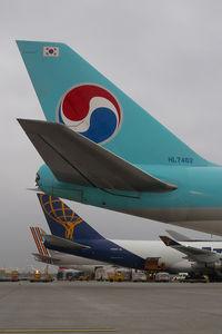 HL7462 @ VIE - Korean Air Boeing 747-400