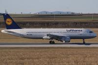 D-AIQR @ VIE - Lufthansa Airbus A320-211 - by Joker767