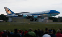 82-8000 @ EDDC - Mr. President Obama first visit in Dresden - by Marcus Valentin