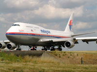 9M-MPK @ LFPG - Malaysian Airlines - by vickersfour