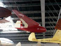 SP-1220 - Instytut Szybownictwa IS-6X Nietoperz at the Muzeum Lotnictwa i Astronautyki, Krakow