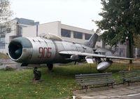 905 - Mikoyan i Gurevich MiG-19PM of the polish air force at the Muzeum Lotnictwa i Astronautyki, Krakow - by Ingo Warnecke