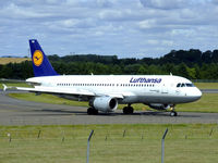D-AIQW @ EGPH - Lufthansa A320 At EDI - by Mike stanners