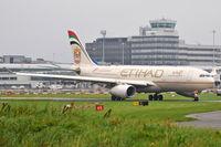 A6-EYI @ EGCC - Etihad Airways - by Artur Bado?