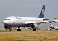 D-AIAK @ LFPG - Lufthansa - by vickersfour