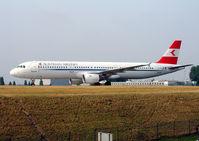 OE-LBC @ LFPG - Austrian Airlines - by vickersfour