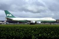 AP-BCM @ EHAM - PIA 747s were regular visitors to Schiphol in the nineties. - by Joop de Groot