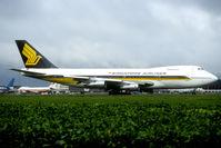 9V-SQO @ EHAM - old 747 of Singapore Airlines - by Joop de Groot