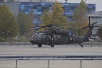 00-26851 @ LOWW - US Army-Sikorsky Black Hawk - by Andy Graf-VAP