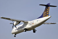 D-BTTT @ EDDF - Lufthansa Regional - by Volker Hilpert