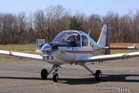 N123SY @ 7B9 - Taxiing in at Ellington, CT - by Dave G