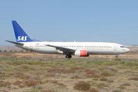 LN-RRT @ GCRR - SAS B737 at Arrecife , Lanzarote in March 2010