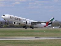 A6-EBO @ EDDL - Emirates; Boeing 777-300 - by Robert_Viktor