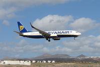 EI-EFP @ GCRR - Ryanair B737 at Arrecife , Lanzarote in March 2010