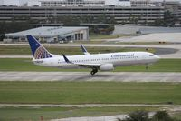 N76502 @ TPA - Continental 737-800