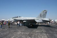 166811 @ MCF - F-18F Super Hornet - by Florida Metal