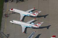 OE-LCR @ VIE - Austrian Arrows Regionaljet
